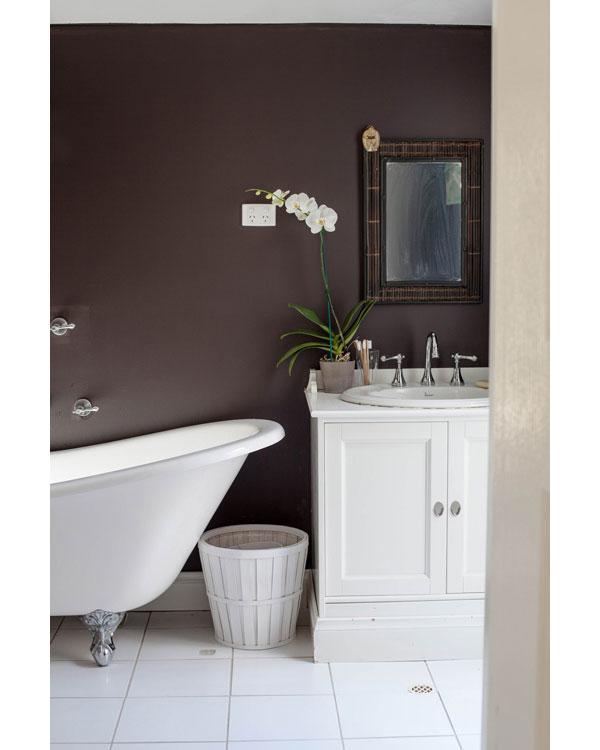 חדר האמבטיה של אנאבל קרסלייק (צילום: Jane Cameron)