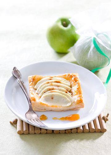 פאי תפוחים עם בצק עלים (צילום: דני לרנר, סגנון: פסי ברניצקי)