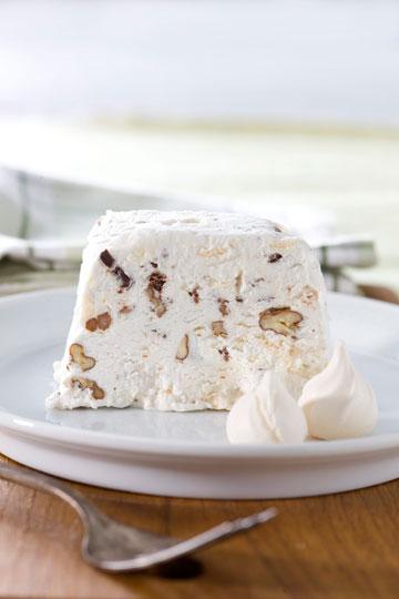 עוגת נשיקות קפואה (צילום: דני לרנר, סגנון: פסי ברניצקי)