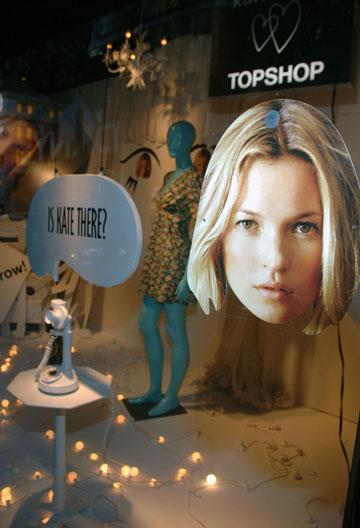 הקולקציה של קייט מוס לטופשופ, 2007 (צילום: gettyimages)