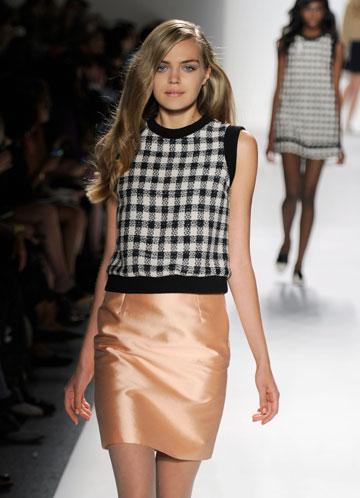 טניה פילוויץ בשבוע האופנה בניו יורק. רק בת 16 (צילום: gettyimages)