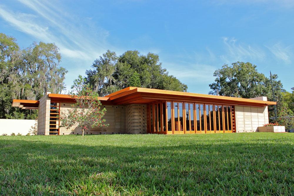 האדריכל האמריקאי החשוב פרנק לויד רייט הלך לעולמו זה מכבר, אך בניינים שלא השלים לבנות מוקמים במכללת דרום פלורידה. זהו החדש שבהם (צילום: The Maguires of Lakeland)