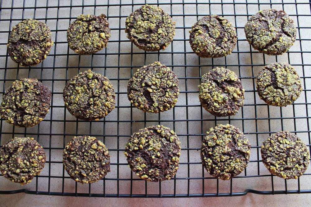 עוגיות שוקולד-פיסטוק (צילום: אורלי חרמש)