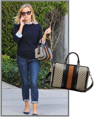 ריס ווית'רספון נושאת את תיק הגוצ'י שלה באופן הראוי לו, על האמה (5,600 שקל) (צילום: splashnews/asap creative)