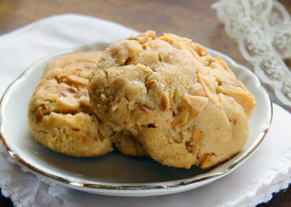 עוגיות שקדים לימוניות נמסות בפה (צילום: מרילין איילון)