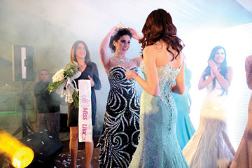 מימין: קתרין כנעאני, מלכת היופי היוצאת סמר יונס ויארא משעור (צילום: סטודיו חביב מסאד  )
