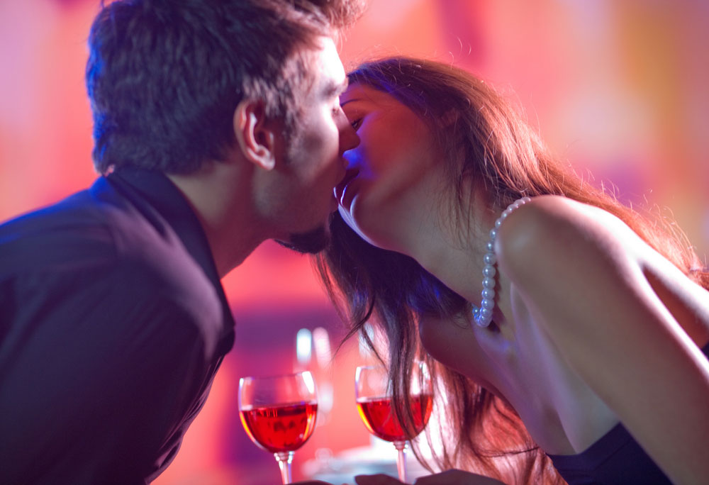 נשיקה ראשונה לא מוצלחת יכולה לחסל את סיכוייו של פרטנר פוטנציאלי (צילום: shutterstock)