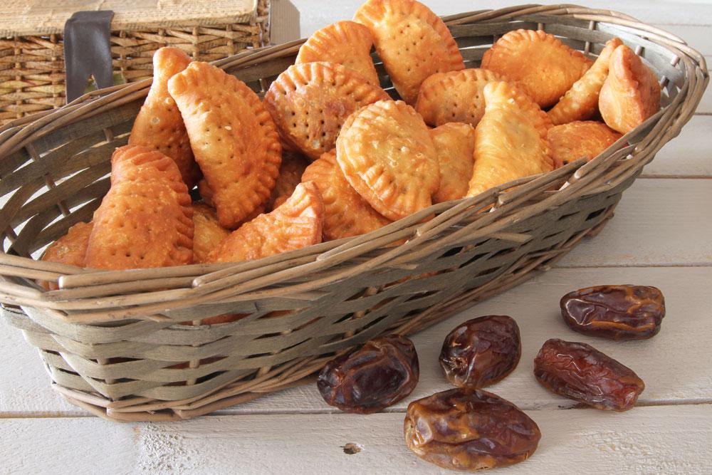 סמבוסק תמרים (צילום: אסנת לסטר)