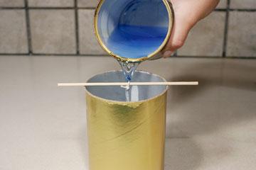 ועוד שכבה של צבע כחול (צילום: ענבל עופר )