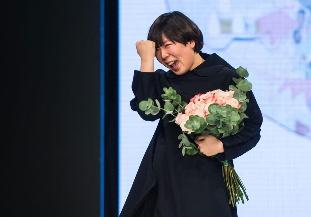 מינג'ו קים, הזוכה המאושרת בתחרות לסטודנטים ולבוגרי מחלקות אופנה של H&M (צילום: gettyimages)