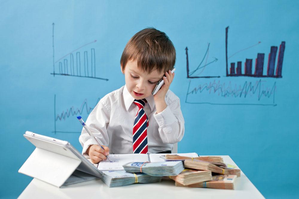 לדבר עם הילדים על כסף, ולהעניק להם חשיבה פיננסית (צילום: shutterstock)