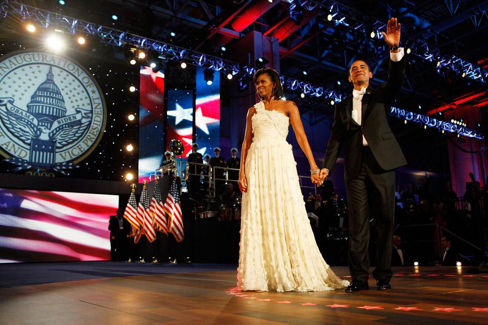 מישל אובמה בשמלה שעיצב ג'ייסון וו. הפך ממעצב אנונימי בתחילת דרכו לסנסציה חובקת עולם (צילום: gettyimages)