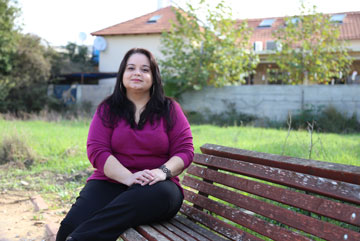 """חגית חדאד: """"כדי לגדל ילדים את צריכה להיות פנויה, רגשית, כלכלית ונפשית. ולא היה לי את זה"""" (צילום: איתמר רותם)"""