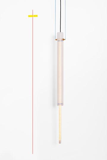 כך נראית המנורה של נעמה הופמן בשעות היום (צילום: יעל אנגלהרט)