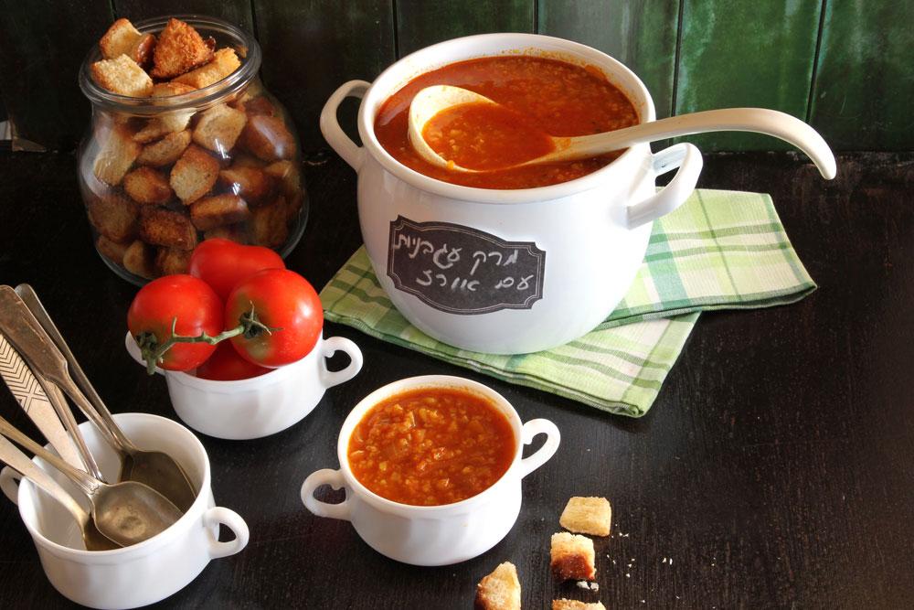 מרק עגבניות ואורז (צילום: אסנת לסטר )