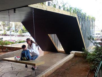 הפרויקט שעשו בביאנלה בבת ים ב-2008