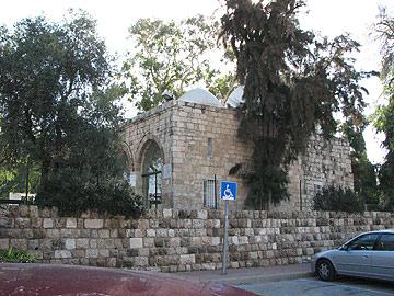קבר רבן גמליאל, יבנה (צילום: מיכאל יעקובסון)