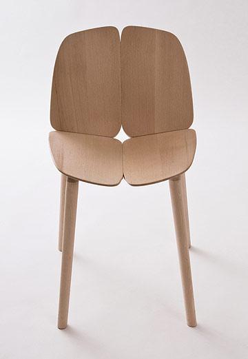 כיסא העץ של האחים בורולק (באדיבות  Studio Bouroullec)
