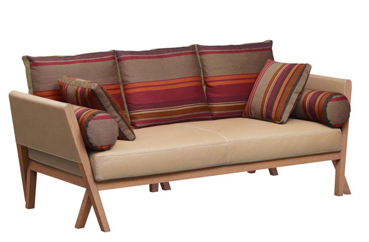 הספה של אנטוניו צ'יטרו להרמס, בווריאציה אחרת