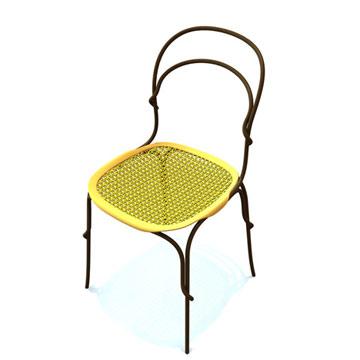 הכיסא של מרטינו גאמפר עבור מאגיס. אחד המעצבים המעניינים כרגע (Copyright © Dezeen Limited 2006-2010)