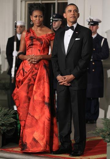 מישל אובמה בשמלה בעיצובה של ברטון. תחנה בדרך לרשימת האנשים המשפיעים של מגזין טיים (צילום: gettyimages)