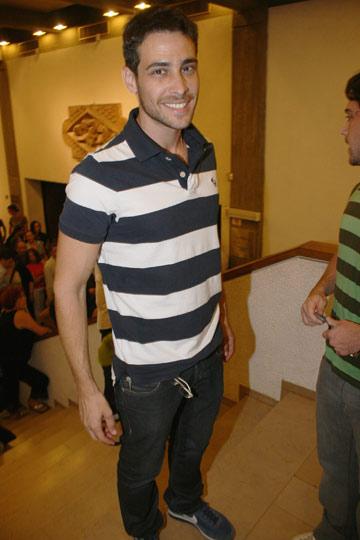 בחולצת פסים, 2009. בדרך לגיבוש טעם עצמאי? (צילום: ניר פקין)