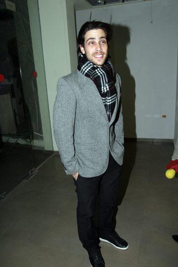בז'קט וצעיף, 2008. בגדים מעודכנים ואלגנטיים (צילום: רועי חביב)