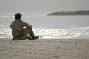 תן לשים ת'ראש על דיונה. נרגע בחוף (צילום: שאטרסטוק)
