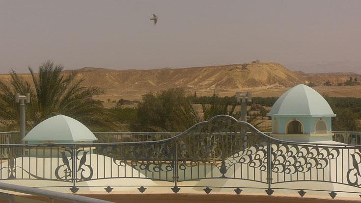נוף בקעת קטורה ממרומי המגדל (צילום: אריאלה אפללו)