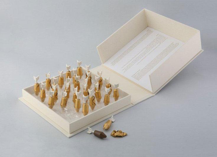 קליעים משוקולד. בונבוניירות אקטואליות, שמשאירות בפה טעם מתוק ומר. עיצוב: רון פרום, פרויקט גמר, שנקר