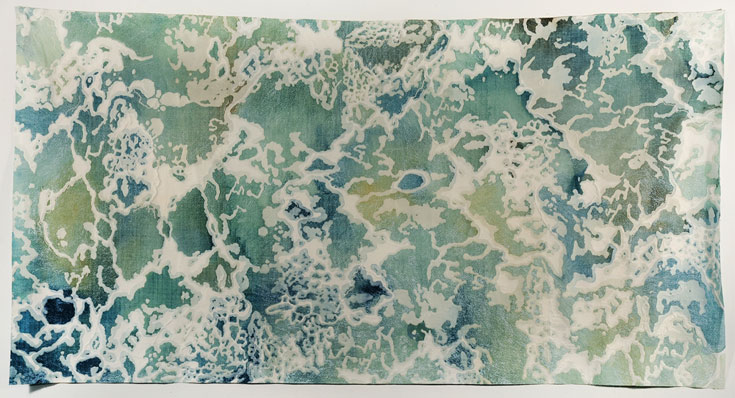 הדפס טקסטיל בהשראת מבט על ים המלח. עיצוב: יעל הרניק וגל קלימן, המחלקה לעיצוב טקסטיל, שנקר (צילום: דניאל שריף)