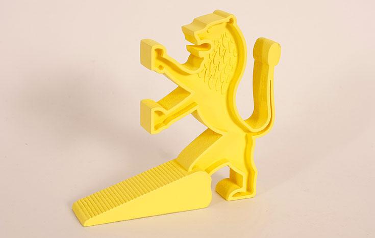 מעצור לדלת בהשראת סמל האריה המגן על ירושלים. עיצוב: מיטל צמח (צילום: אביב נוה, הדמיות: מיטל צמח)
