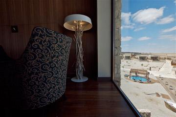מבט מאחד החדרים החוצה (צילום: איתי סיקולסקי )