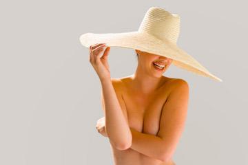 ''טוב, אבל אם תענו לשאלה שלי בתשובה 'למה? כובע!' אני ממש אתעצבן'' (צילום: thinkstock)