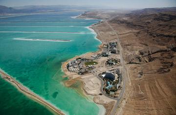 עין בוקק. ים המלח כבר פגוע ממילא (צילום: lowshot.com)