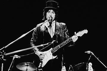 1978. מתקשט בכובעים (צילום: gettyimages)