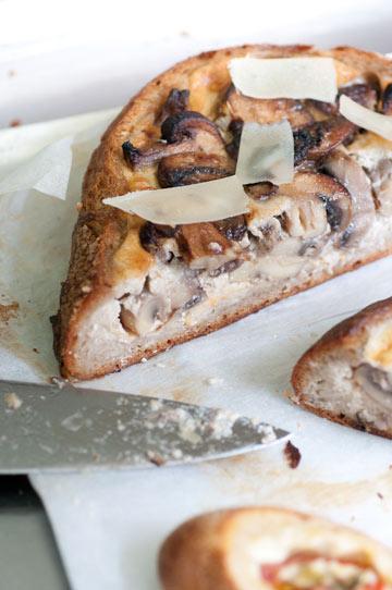 קיש פטריות בכיכר לחם כפרי (צילום: דן חיימוביץ')