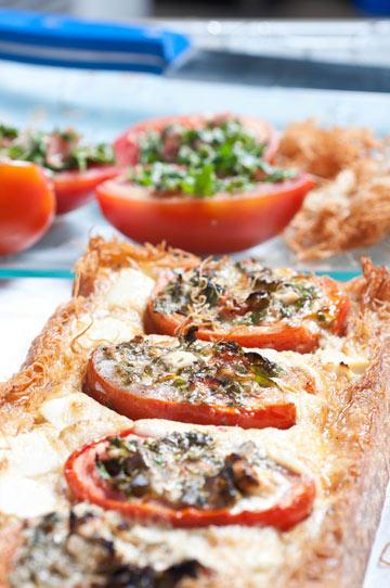 קדאיף במילוי עגבניות עם עשבי תיבול וגבינת פטה (צילום: דן חיימוביץ')