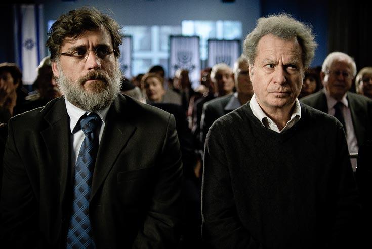 """שיחת טלפון אחת משנה את חייהם. שלמה בראבא וליאור אשכנזי ב""""הערת שוליים"""" (צילום: רן מנדלסון)"""