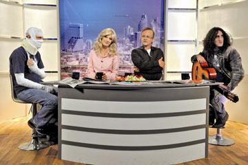 """דן וטלי חדים. מערכון מתוך """"נבחרת ישראל בטלוויזיה"""" (צילום: יוסי צבקר)"""
