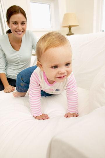 שימו לב: התינוק בתנועה מתמדת (צילום: thinkstock)