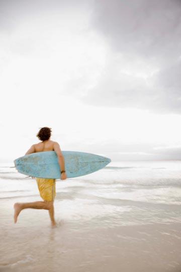 עכשיו, מי מתנדב לספר לו ששוב החוף מזוהם? (צילום: thinkstock)