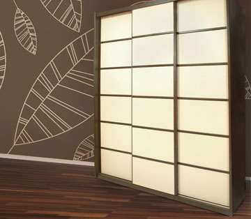אפשר גם בעיצוב יפני, בהשארת הטאטאמי. אצלם הכל מדוד (צילום: באדיבות רשת ארונות הראל )