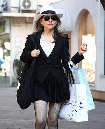 בסדרה ''צו האופנה''. ''רואים הרבה קורבנות אופנה ברחוב'' (צילום: נועה יפה)