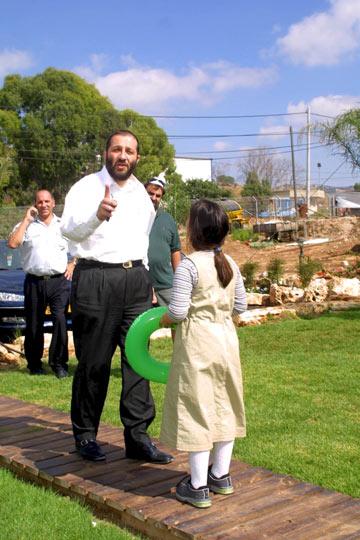 בלוק קז'ואל כשהוא נופש צימר (צילום: גיל נחושתן)