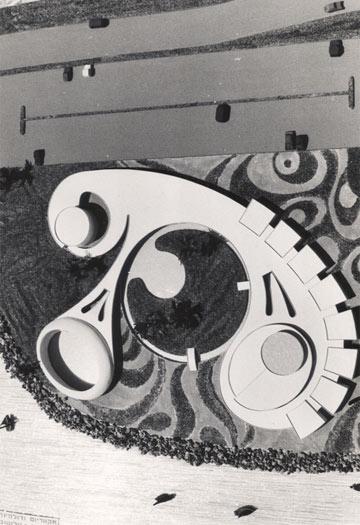 הדולפינריום בהקמתו. פרויקט מרהיב (אוסף אדריכל נחום זולוטוב באדיבות ארכיון אדריכלות ישראל)