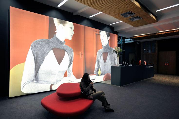מרנגוני, לונדון. 80 אחוז מבוגריו מועסקים בבתי האופנה הבולטים בעולם (צילום: באדיבות מרנגוני)