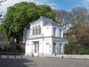 האקדמיה לאמנויות יפות באנטוורפן. הצד האוונגרדי של לימודי האופנה (צילום: Friedrich Tellberg)