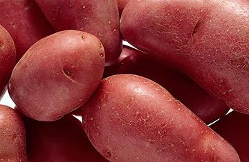 תפוחי אדמה אדומים פריכים מעט יותר (צילום: thinkstock)