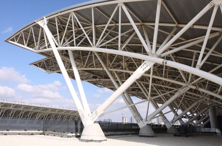 הטריבונות מקורות, כמו באצטדיון החדש שנבנה כעת בנתניה. חוויית צפייה טובה יותר (צילום: עידו ארז )